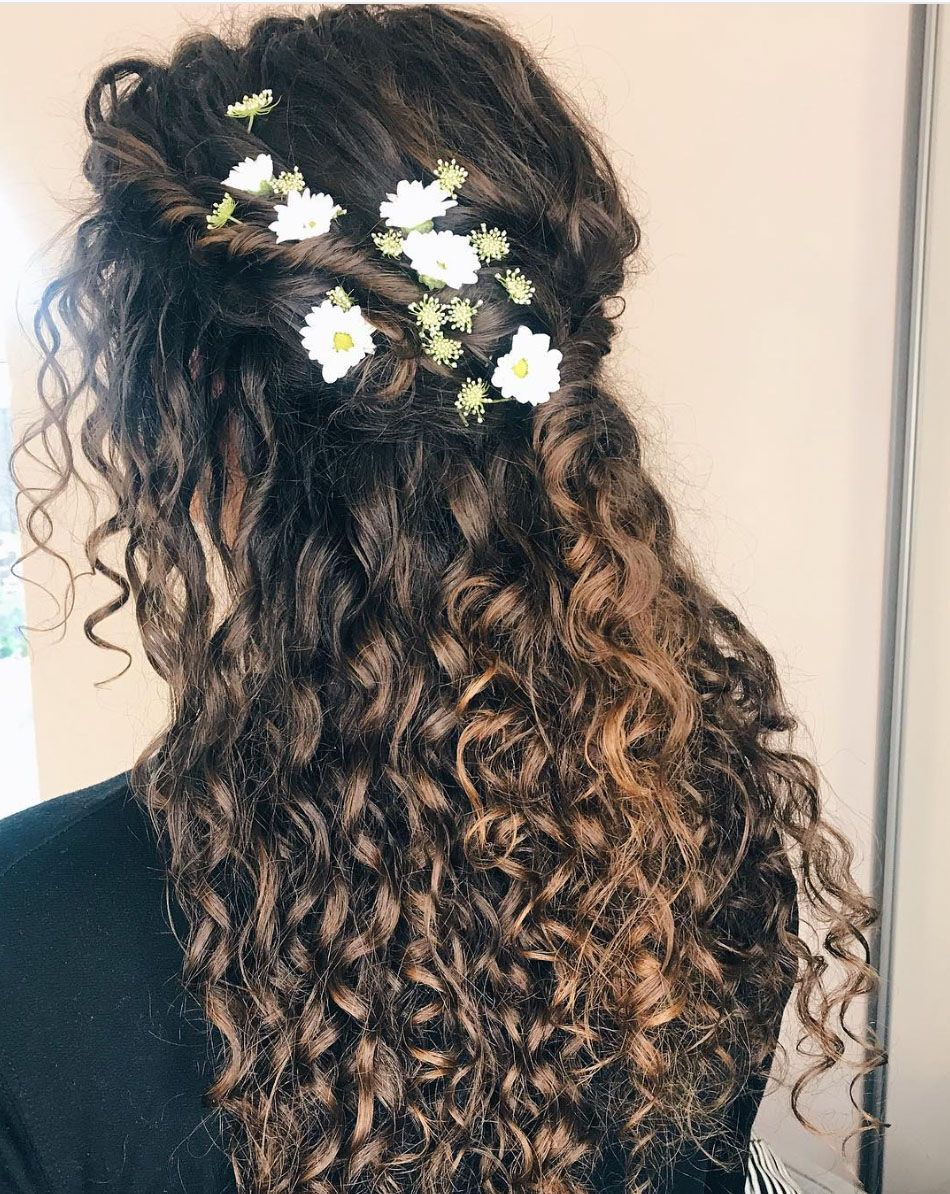 35++ Naturally curly wedding hair trends