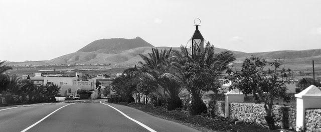 Desde las Islas Canarias  ..Fotografias  : Black and White ....Entrando en Antigua....Fuertev...