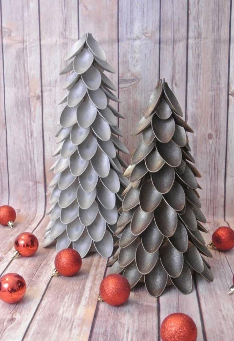 Nous vous présentons plusieurs idées de bricolages de Noël qui vont vous  inspirer à fabriquer des décorations magnifiques à partir de matériaux  recyclés du