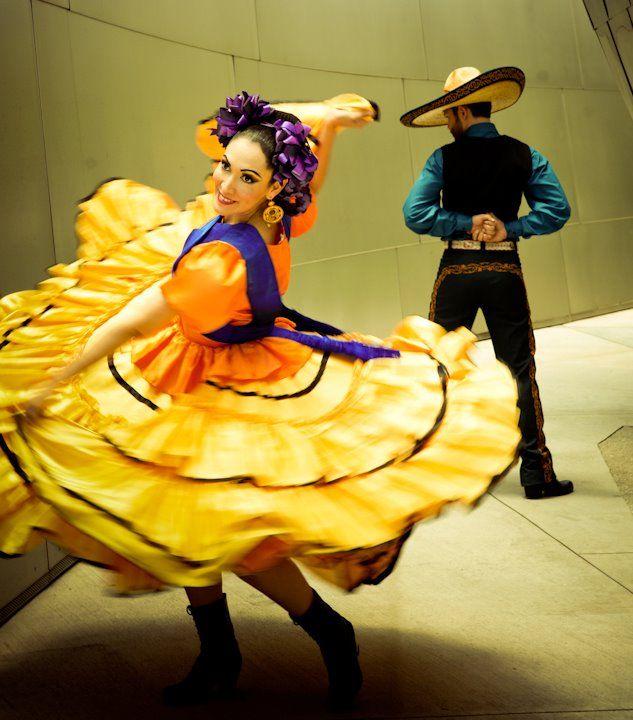 Leyenda Ballet Folklorico Serves Los Angeles Riverside San Bernardino San Diego And Orange County Events And Folklor Ballet Folklorico Dancer Costume Dancer