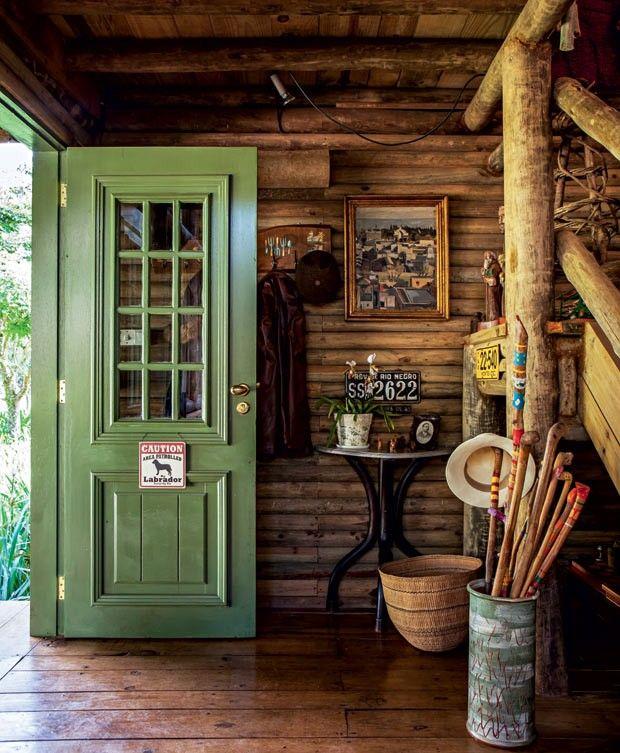 How to paint wooden doors