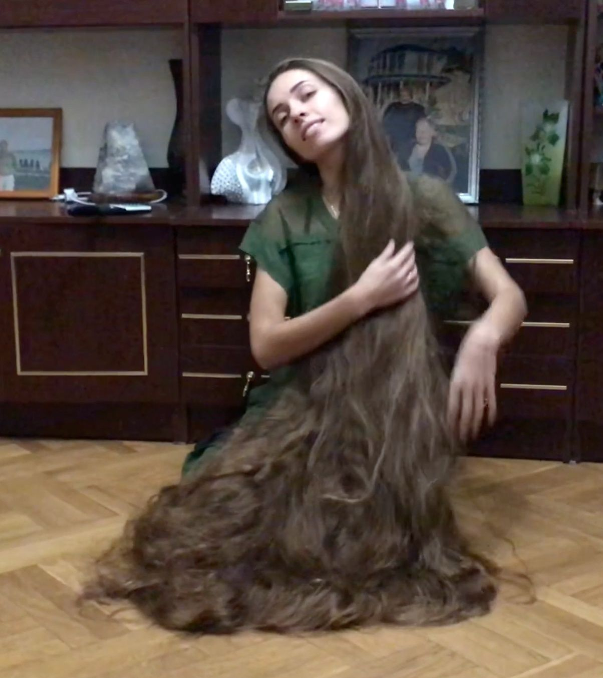 Video Floor Show Amazing Long Big Permed Hair Pinterest