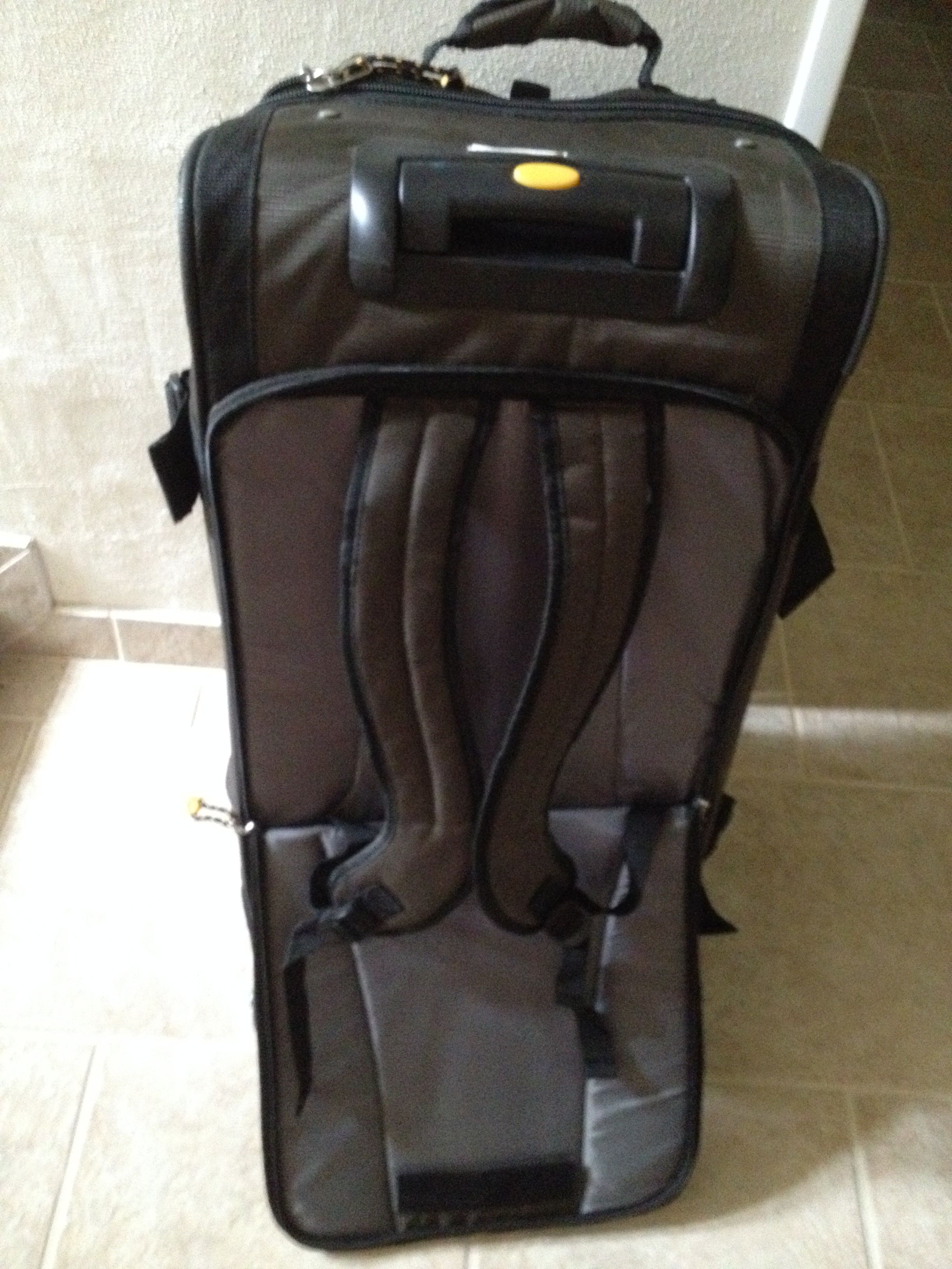 Samsonite 30 Inch Wheeled Duffel Costco With Backpack Straps 10 6 Lbs Or 4 8 Kg