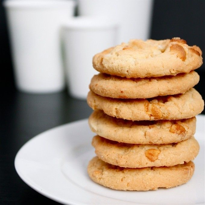 Copycat Subway White Chocolate Macadamia Cookies- even better than the original, these are your favourite subway cookie ready to make at home- Gluten Free!