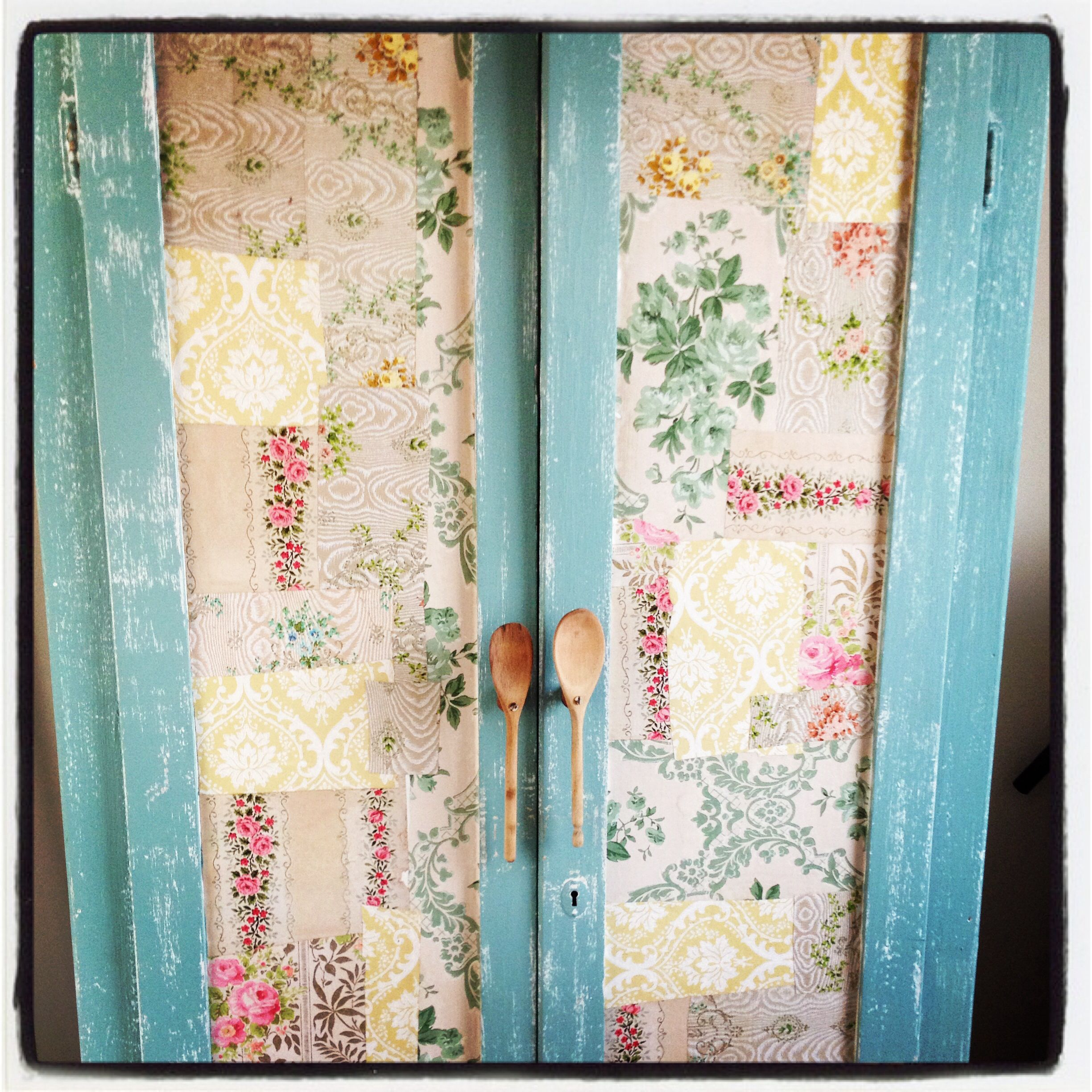 Great use of vintage wallpaper and wood spoons! www.calgogardens.com