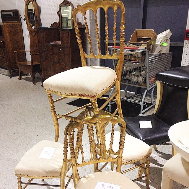"""""""Chair addiction! #makeandmodel #nashvilledesign #nashvillevintage  @chairishco @littleredhen78"""""""