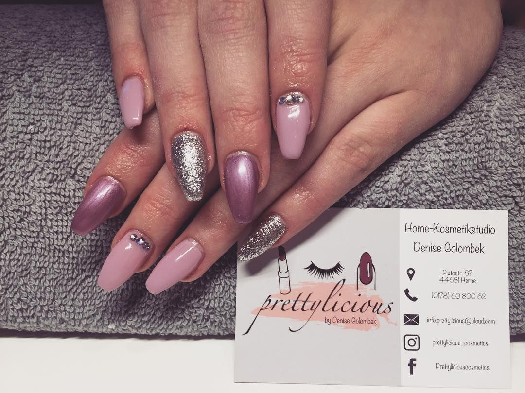 Nageldesign Mit Glitzer Prettyliciousnailslashes More On Instagram Glitzer Funkeln