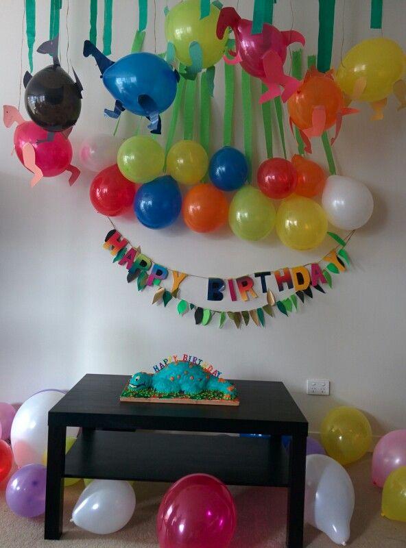Dinosaur Party Decoration Using Balloons