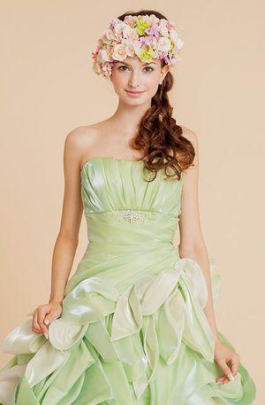 サイドに流して妖精のように可憐に♡カラードレスの髪型 ダウン