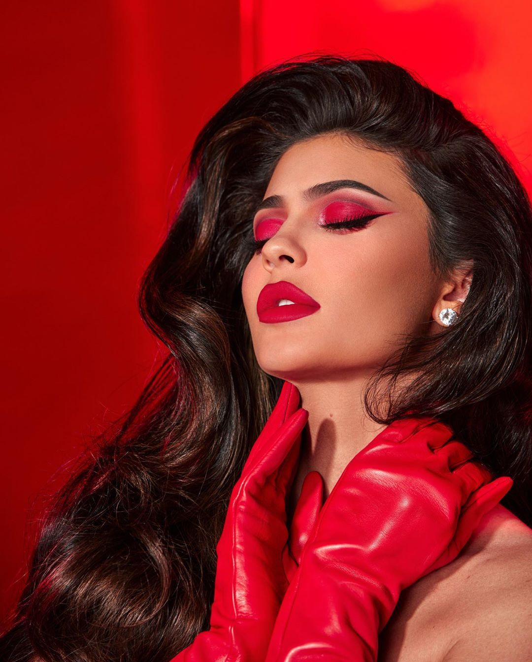 How Gorgeous Is This New Red Lipstick Kyliejenner Is Wearing