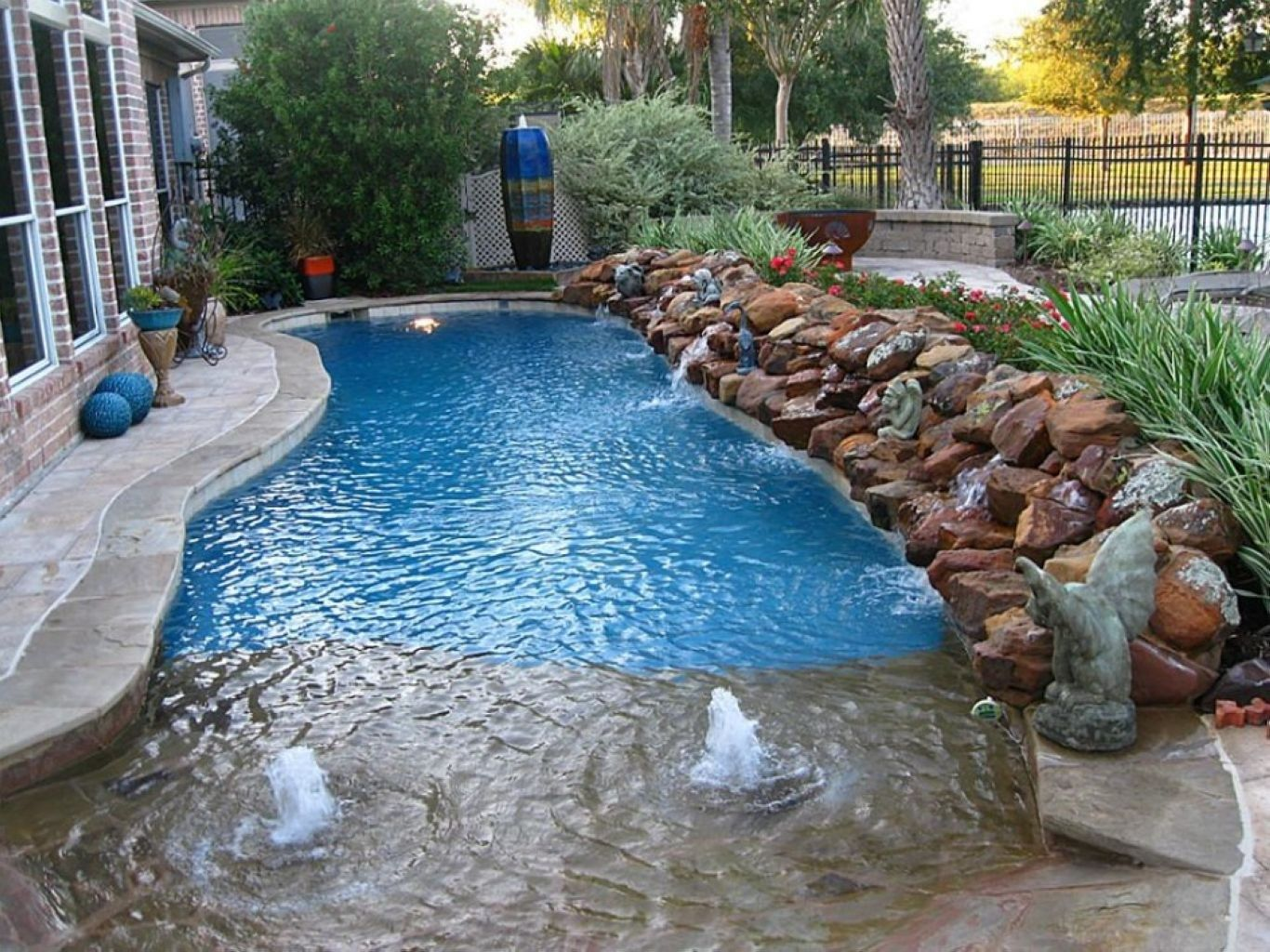 Best small backyards with inground pools 52 - Small swimming pools for small backyards ...