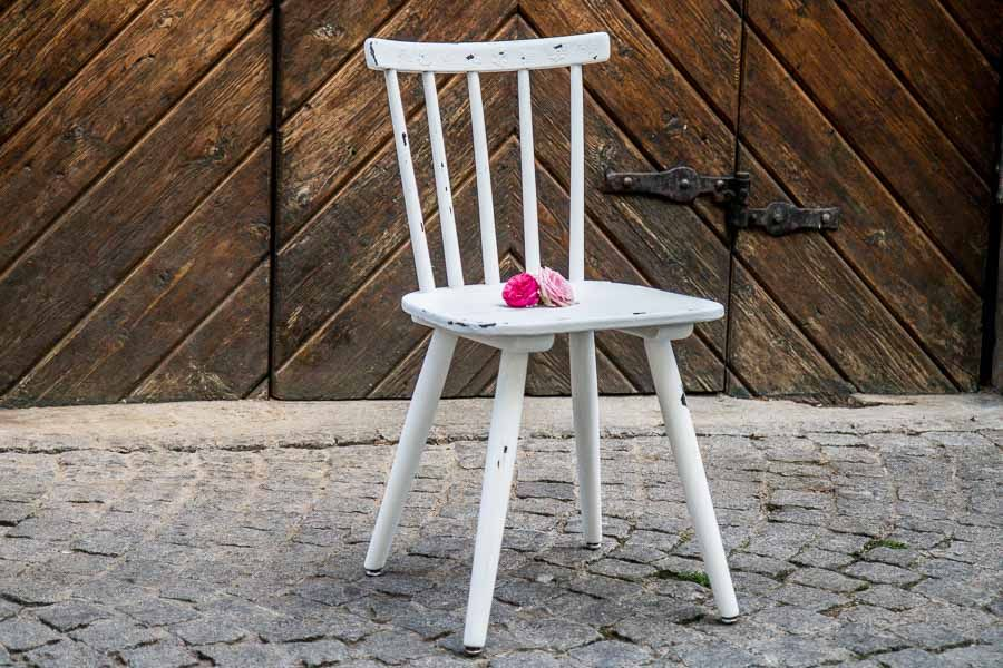 Used Look Möbel Weiß ~ Shabby chic farbe kreidefarbe anwenden und möbel im used look