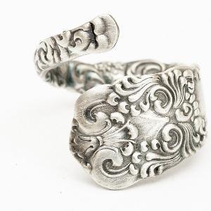 come to me! love this spoon ring