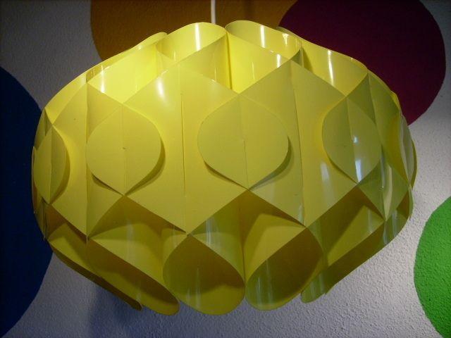 LAMELLEN LAMPE - PANTON ÄRA - GELB von susduett auf DaWanda.com