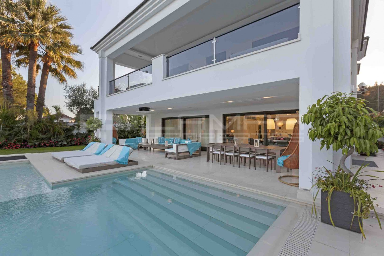 Beachside villa in Santa Margarita by the Marbella Club hotel ...