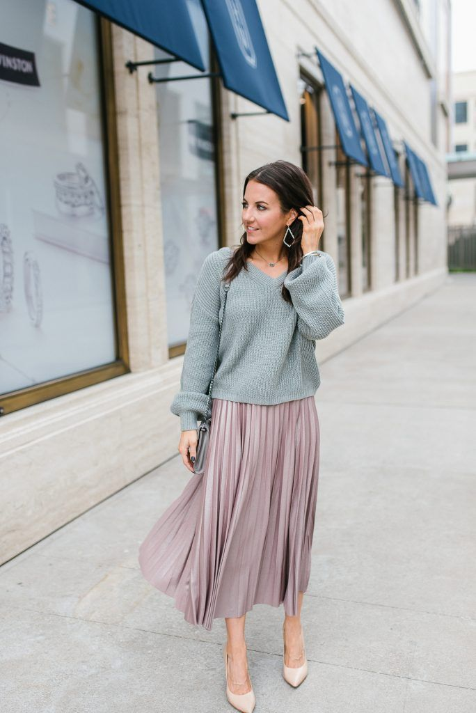 Sweater and Midi Skirt Outfit | Lady in Violet | Houston Fashion Blogger | – fashıon