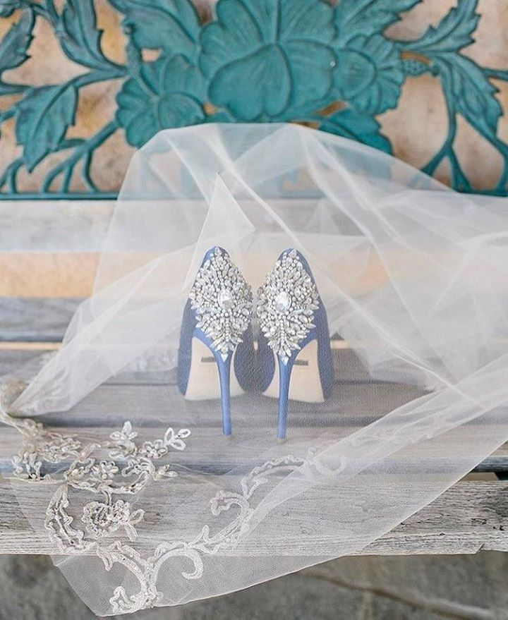 Sparkly Badgley Mischka wedding heels | wedding shoes #weddingshoes #wedding #bridalshoes
