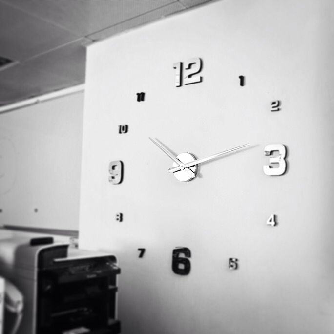 الساعة في الرياض