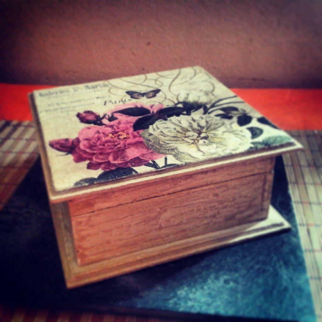 a8e1b5473 Cofre de madera decorado con decoupage y patina | manualidades ...