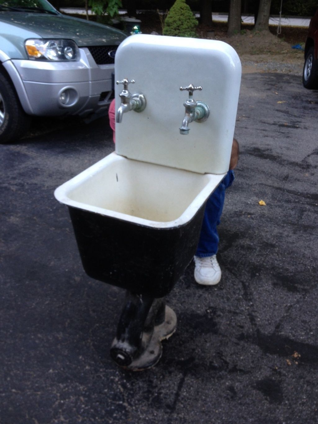 in Antiques, Architectural & Garden, Plumbing | Utility ... on Outdoor Sink With Stand id=89583