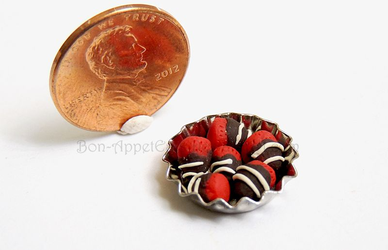 1:12 Chocolate Covered Strawberries by Bon-AppetEats.deviantart.com