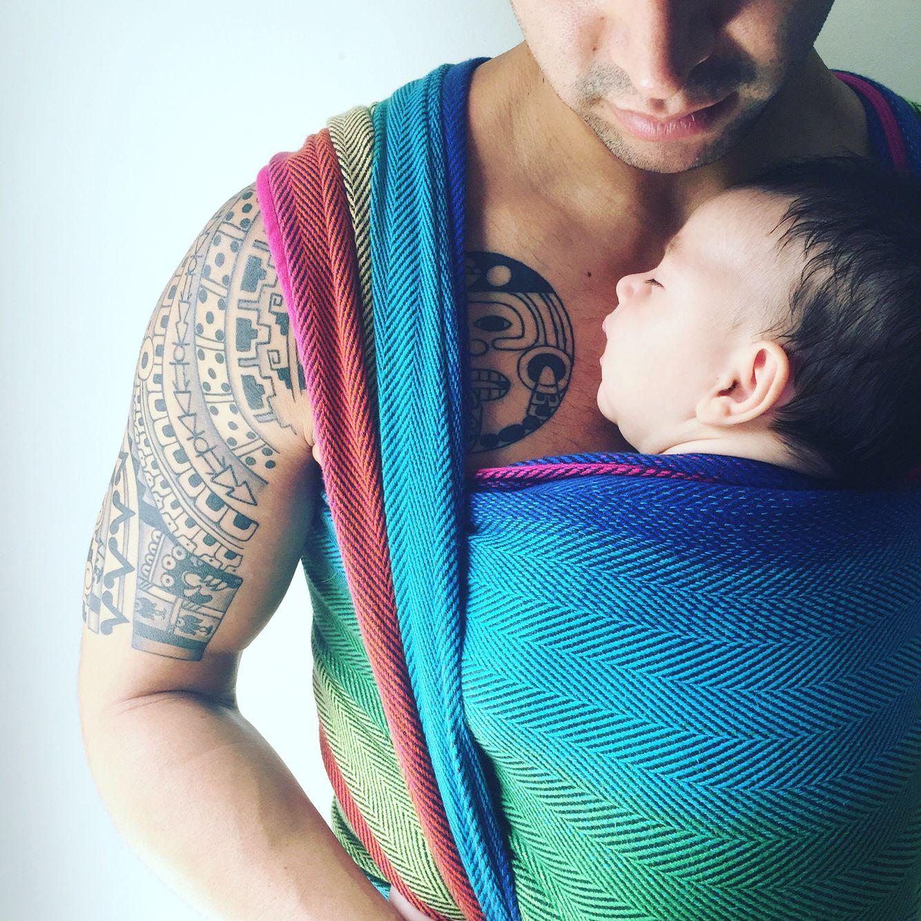 Babywearing Dad - skin to skin/kangaroo care - bonding with baby