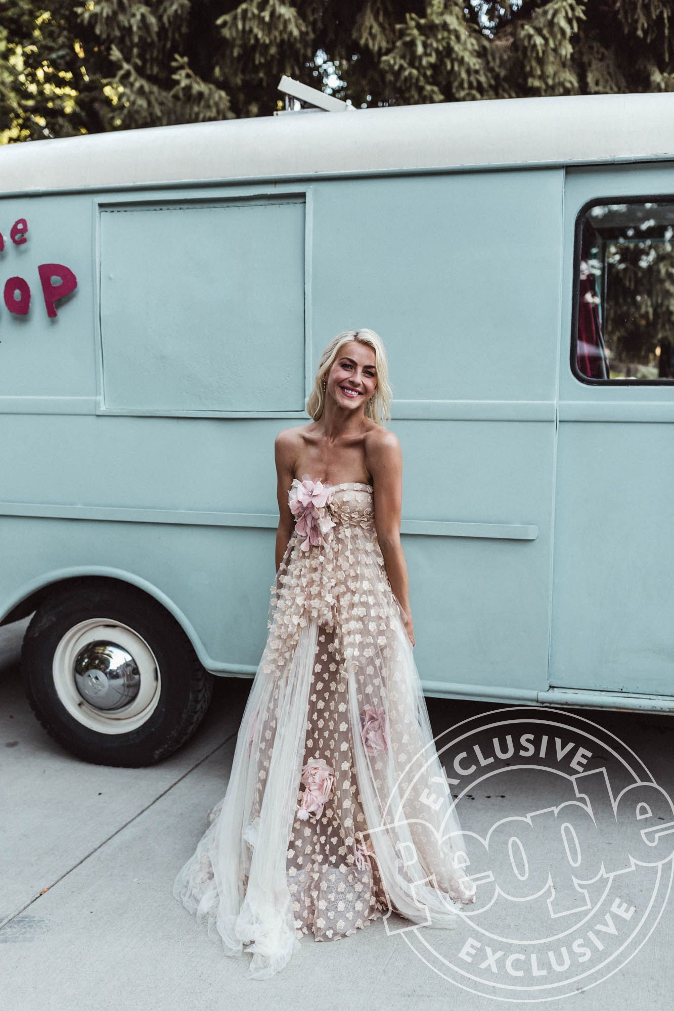 Every Single Outfit Julianne Hough Wore During Her Wedding Weekend ...