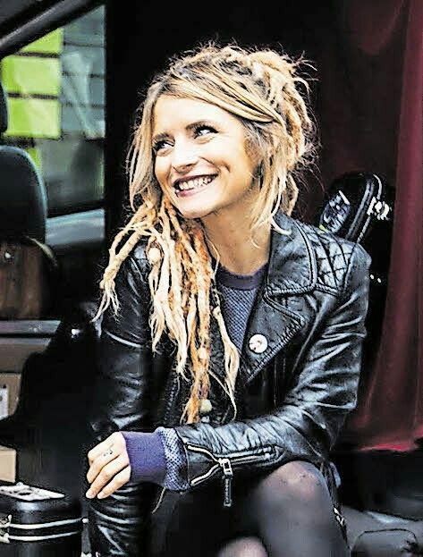Sarah Lesch wurde am 1. März 1986 in Altenburg geboren
