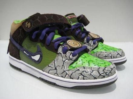 quality design 8b6f8 18c14 Nike SB Dunk Donatello Custom Sneakers 3