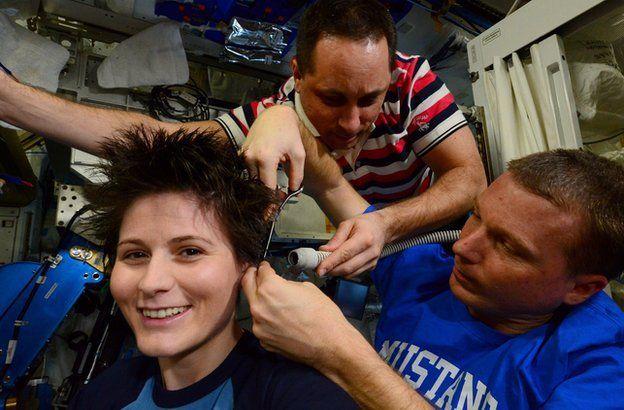 Astronauta mostra fotos do seu cotidiano no espaço
