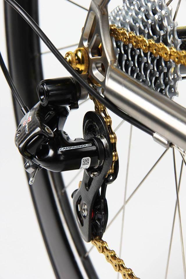 Firefly titanium frame + Campagnolo carbon derailleur + gold chain ... 8248b666d