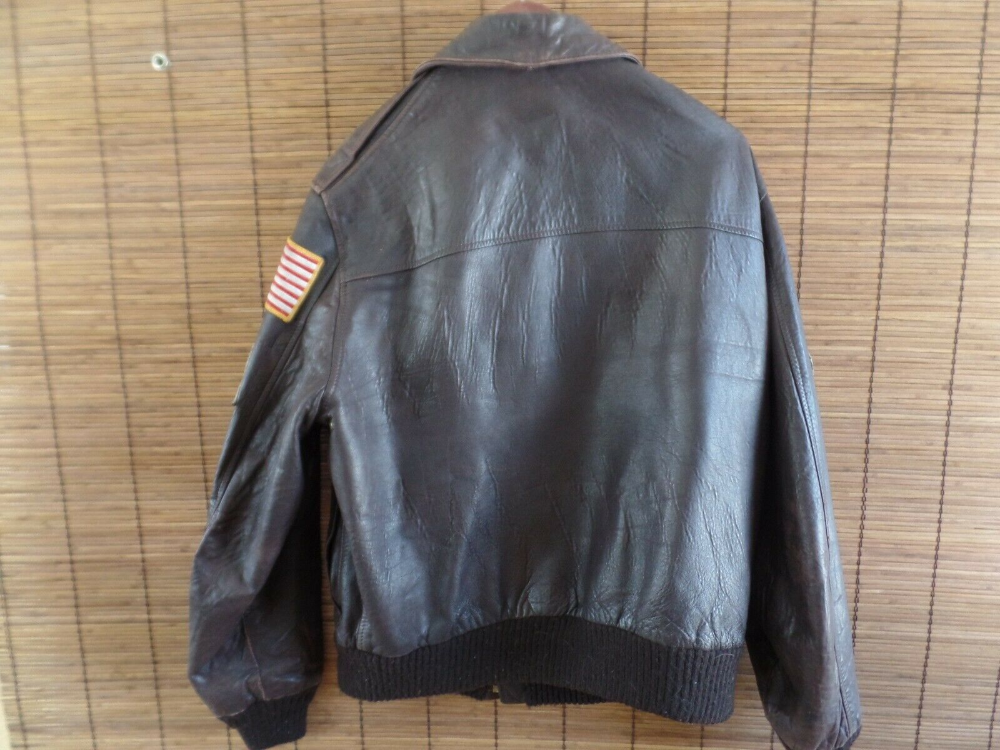 AVIREX Type A2 LEATHER US NAVY FLIGHT Bomber JACKET size