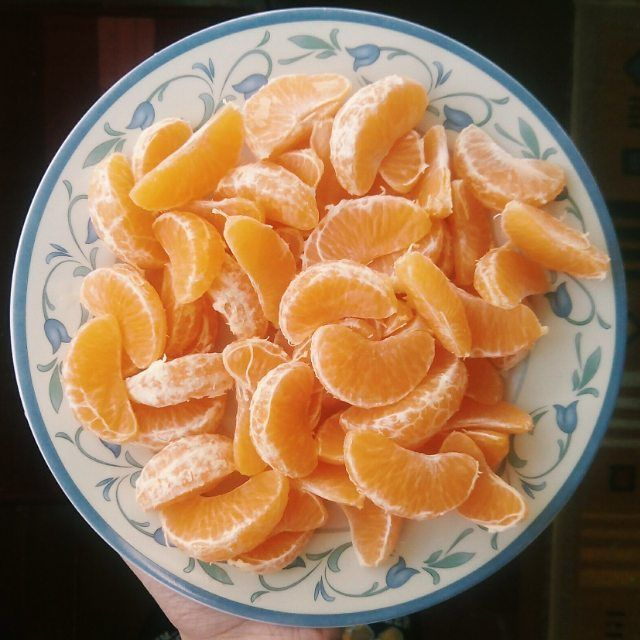 """veganhappened: """"23.1.16 Starting my day off with heps of clementines/mandarins/satsumas/tangerines whatever you call it! I call all of them mandarins so there you go  What's your breakfast today?..."""