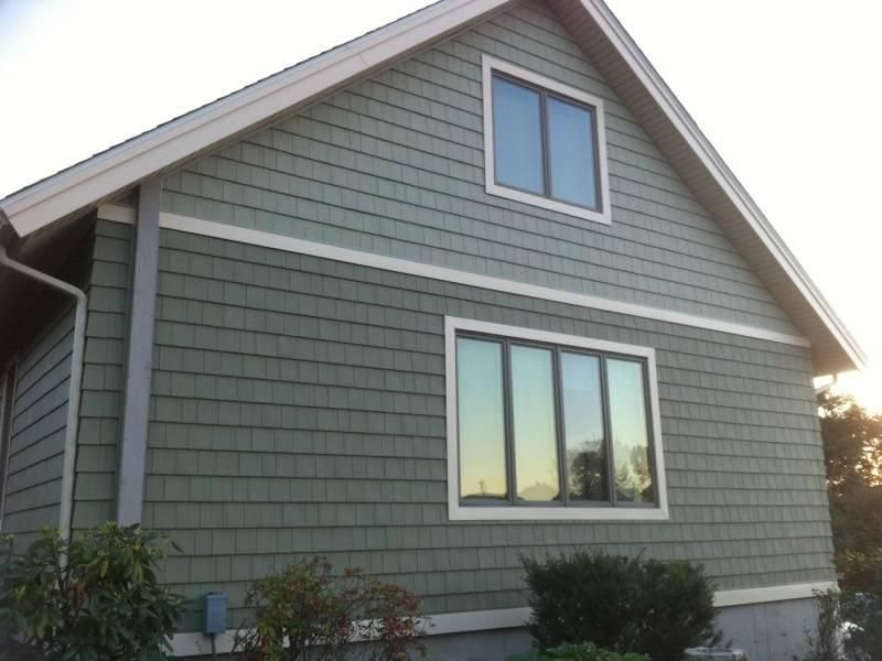 Picking The Best Vinyl Siding For Your Home Bloombety Two Color Siding White Trim House