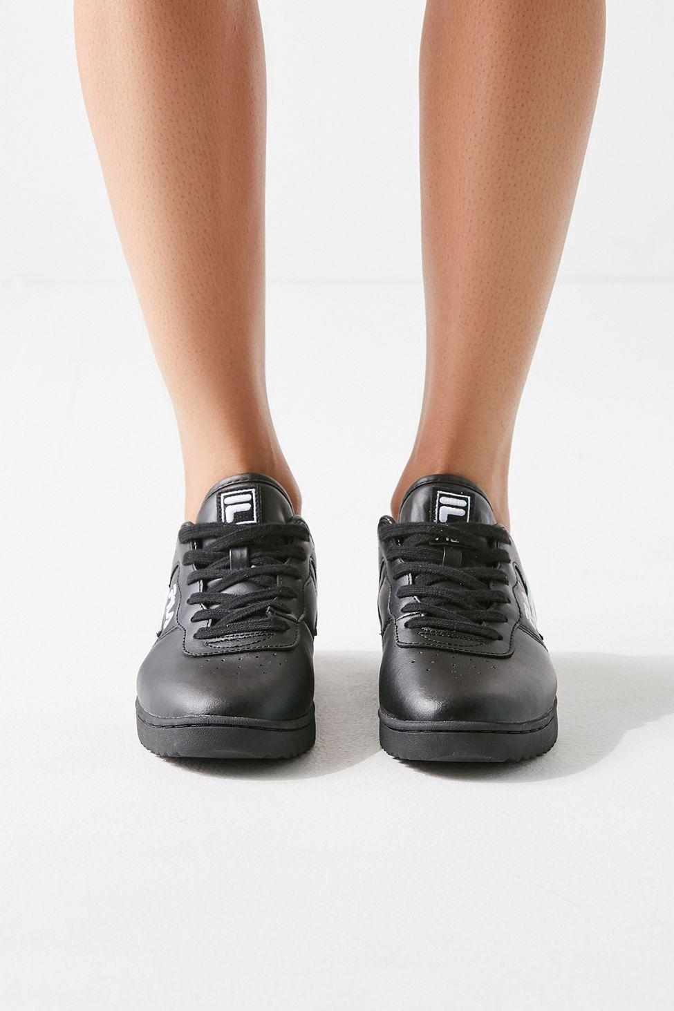 super popular 237a3 c95a8 Urban Outfitters Fila Original Fitness Ripple Sneaker - Black