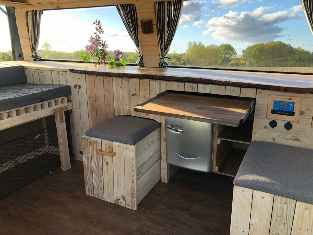 Wohnmobil Vw T4 Selbst Ausgebaut Mit Holz Verkleidung Innen Wohnmobil Mieten Camper Innen Wohnmobil