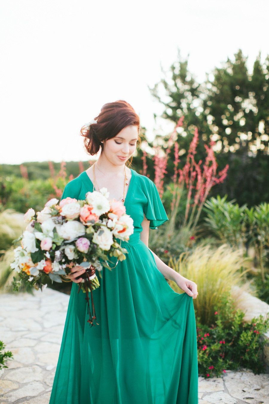Makeup with emerald green dress  Spanish Inspired Shoot from Loft Photographie  Emerald green