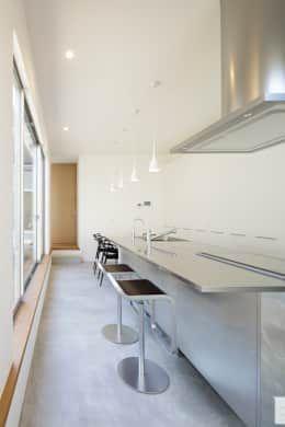 キッチン: NEWTRAL DESIGNが手掛けたキッチンです。