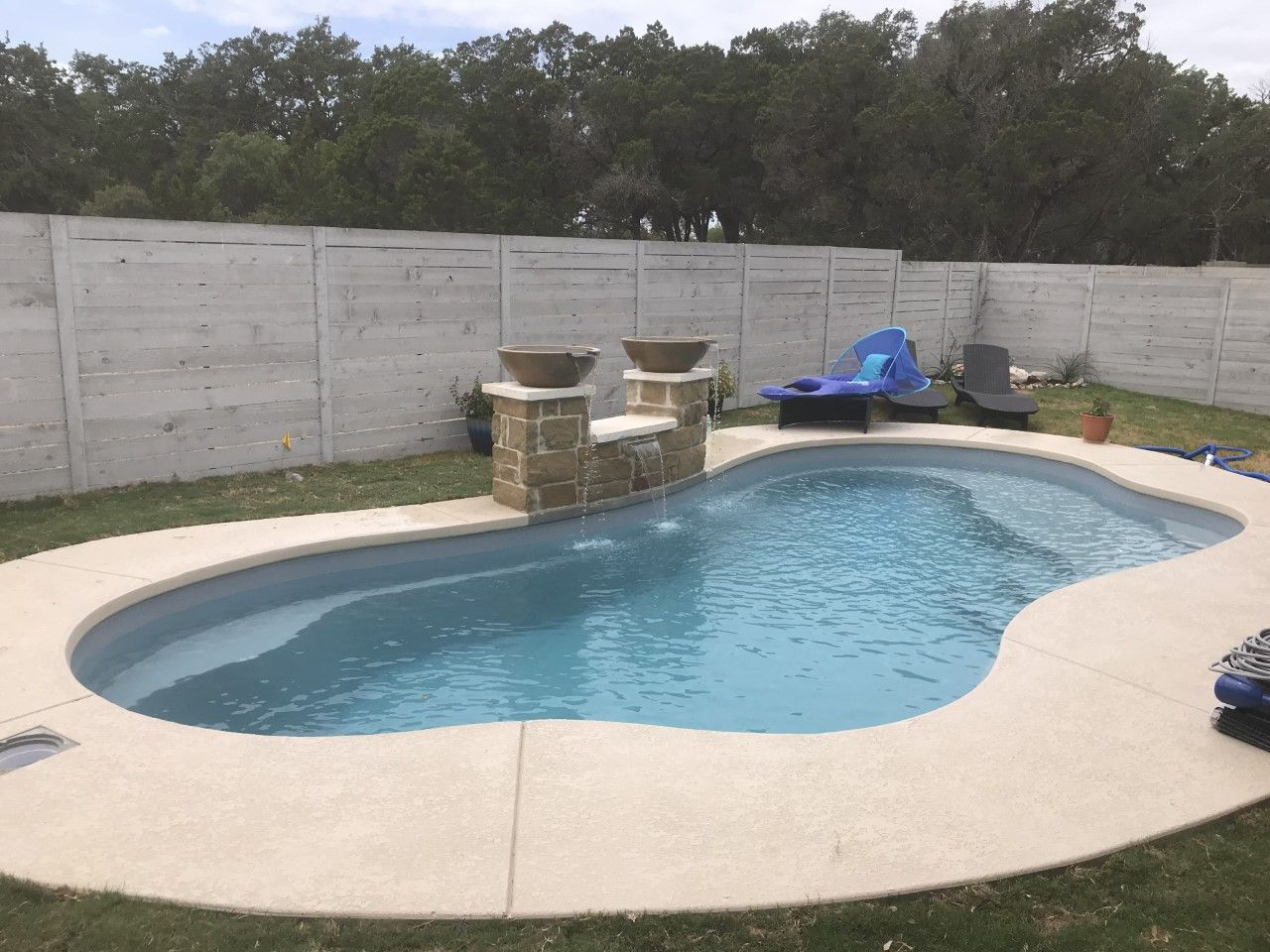 Aviva Pools The E27 Eden 27 Fiberglass Swimming Pools Pool Fiberglass Pools