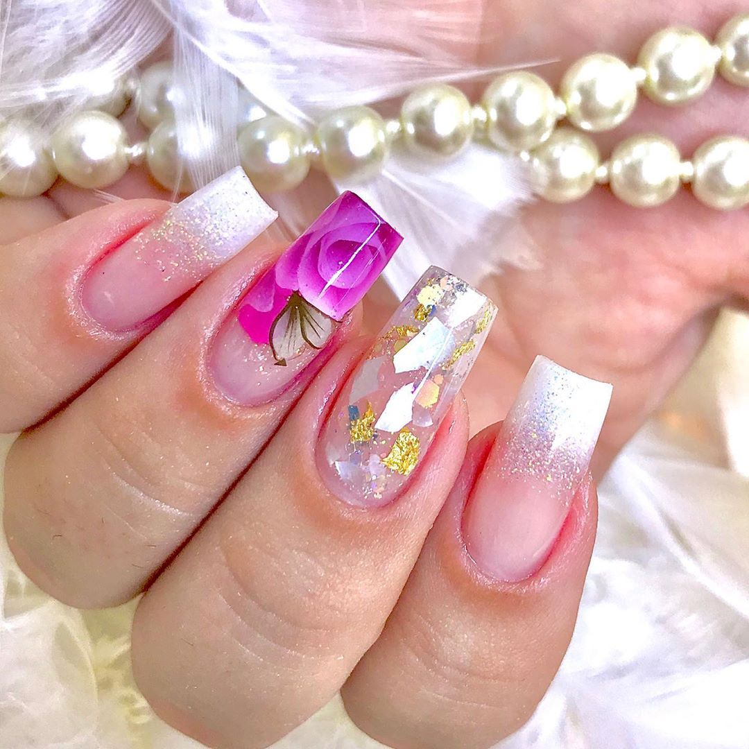On the catwalks, the most striking thing is not hairstyles or make-up, but the nails of models.#nails #artnails #nailsdesign #nailscolor