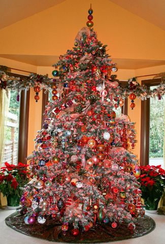 david a olsens main christopher radko christmas tree 2007 the tree is 10 feet tall with a 6 foot base decorated with 5150 gki bethlehem renaissance - How To Decorate A 10 Foot Christmas Tree