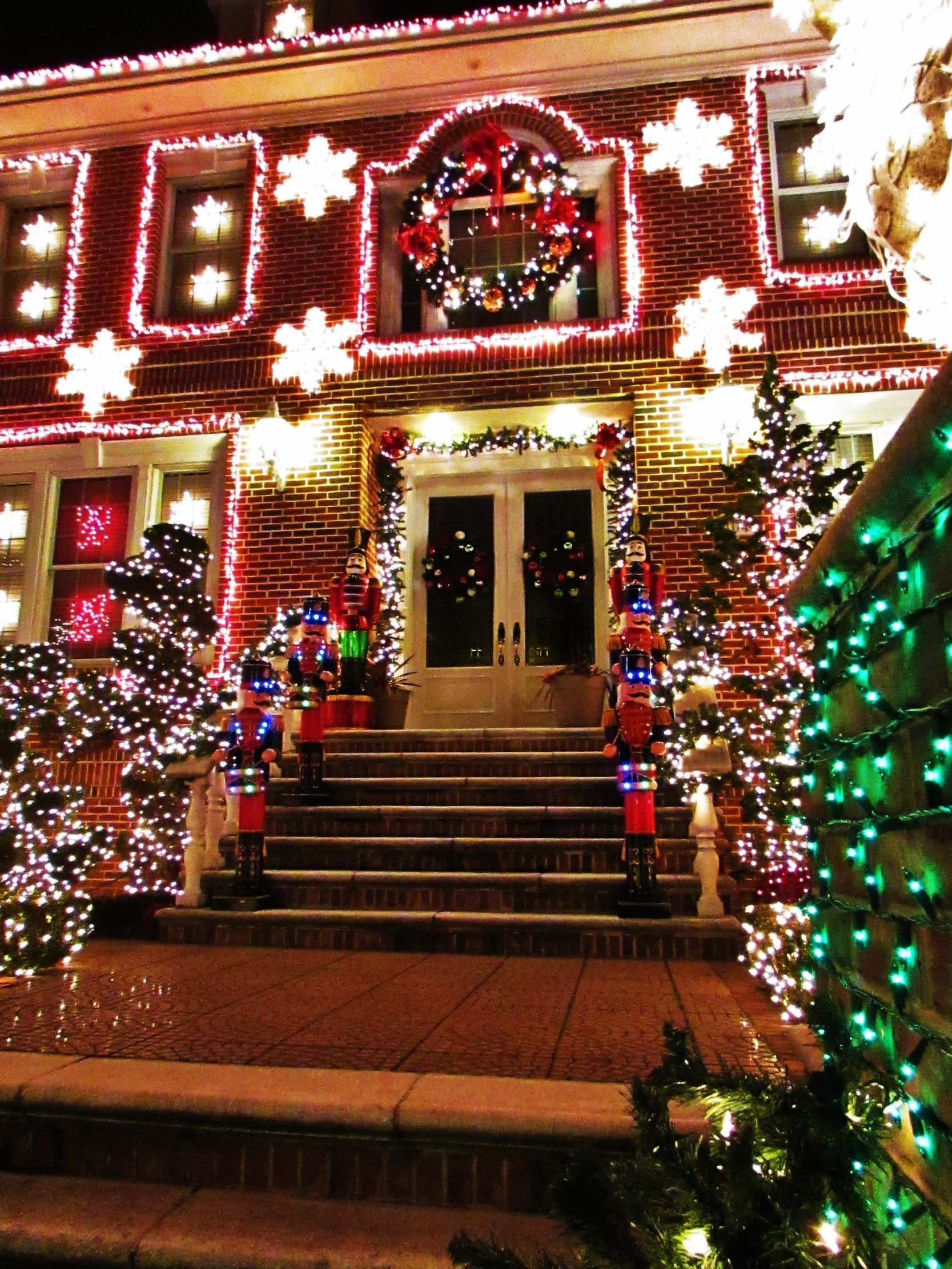 Dyker Heights My Gallery of NYC and the Boroughs