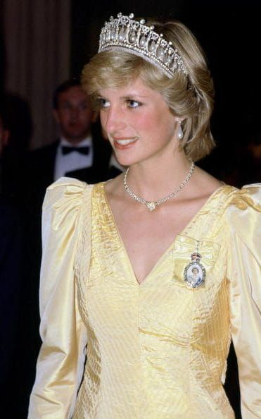 Inside princess diana 39 s jewellery collection jewelry for Princess diana jewelry box
