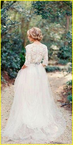 Unique Backless Long Sleeve Wedding Dresses 2017 http://www.ysedusky.com/2017/03/13/unique-backless-long-sleeve-wedding-dresses-2017/