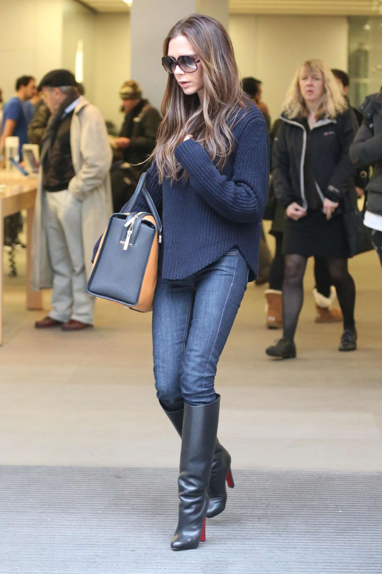 Seen on Celebrity Style Guide  David and Victoria Beckham check the  progress of Victoria s new 050a27662