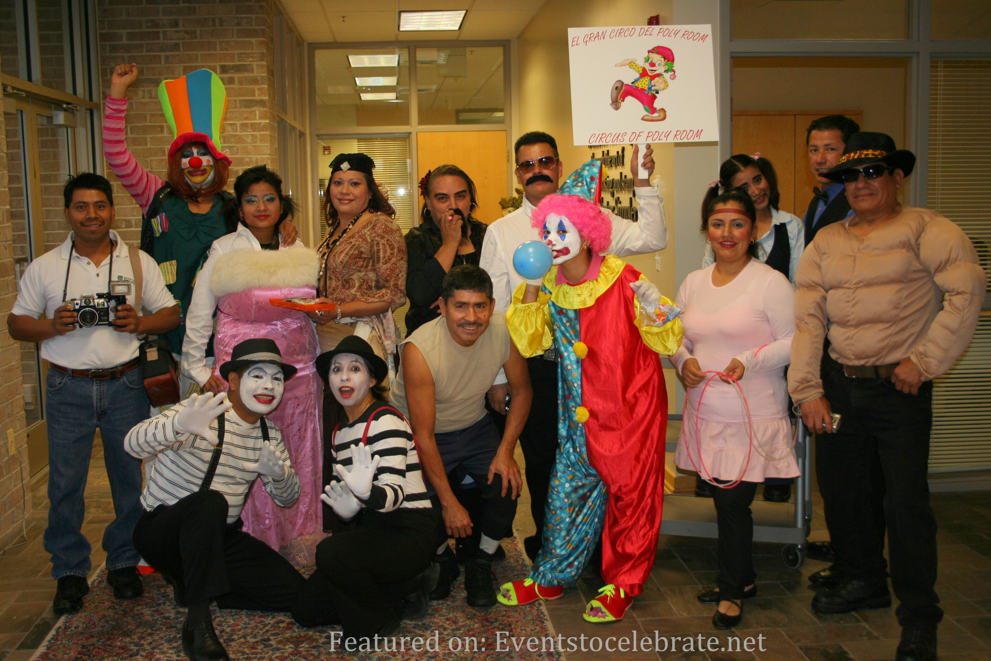 Costume ideas for groups - From Spooky To Comical Here Are Dozens Of Group Halloween Costume Ideas For Couples Families Groups Of Friends Or Coworkers To Use