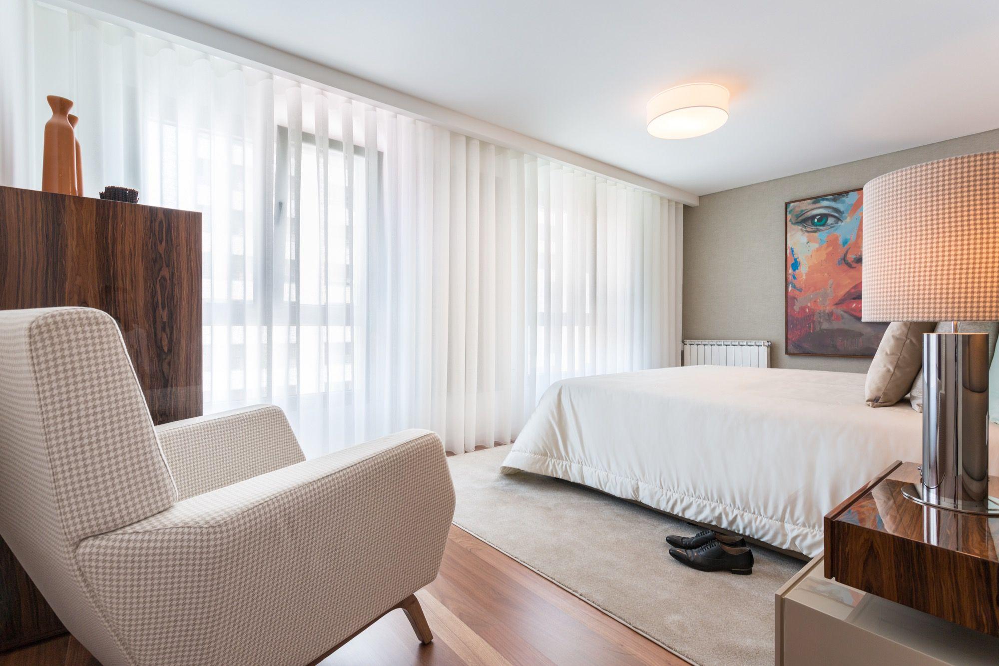 Apartamento T4 Foz | MOVELVIVO INTERIORES    #chavenamao #projectosmovelvivo #movelvivointeriores    Saiba mais: http://movelvivo.com/project/apartamento-t4-foz/