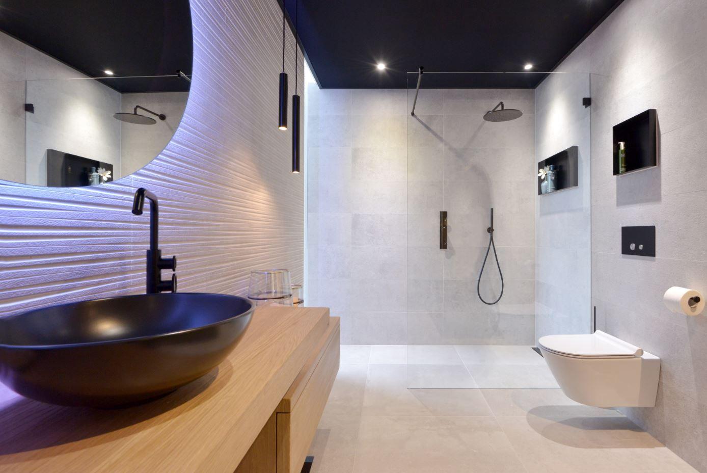 Badkamerinspiratie een moderne en stoere badkamer