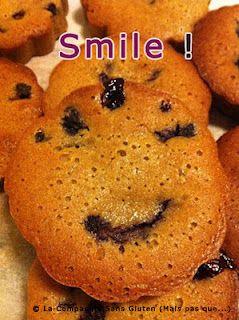 Smile !! Gâteau moelleux au sirop d'agave et fruits rouges (sans gluten et sans lait)   http://lacompagniesansgluten.blogspot.com/2012/01/gateaux-moelleux-au-sirop-dagave-sans.html
