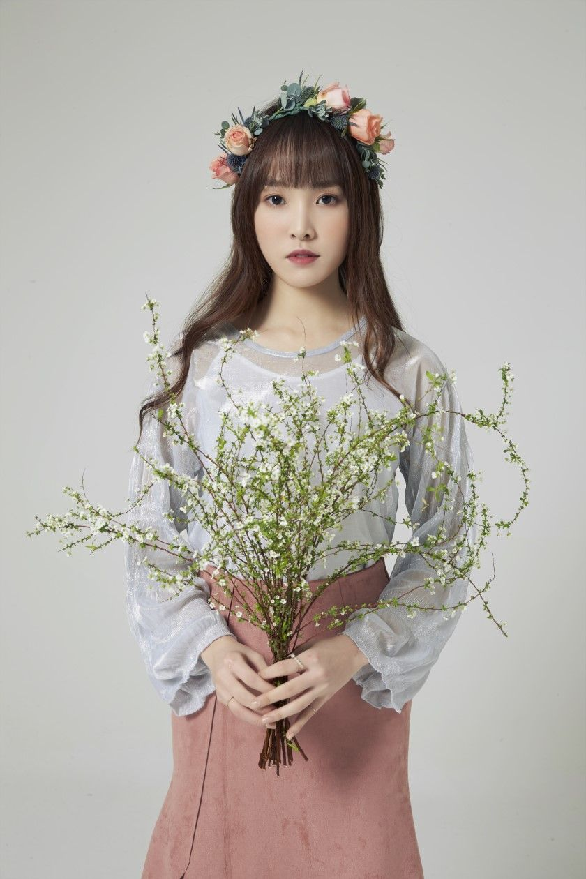 Pin by Ting on GFRIEND 여자친구 ️ ️ ️ Gfriend yuju, Star